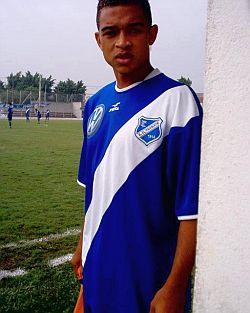 Detalhe do glorioso uniforme do EC Taubaté. Foto  Fernando Martinez. c40d6e909a343