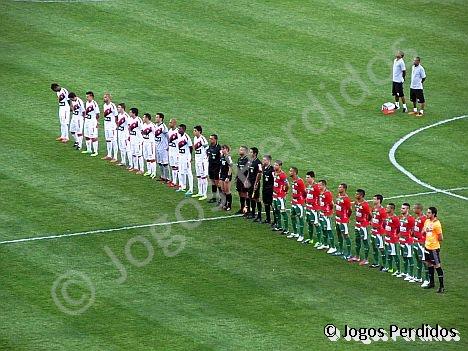 Jogos Perdidos  Portuguesa e Vitória ficam no empate no Canindé fd64fe63bba13
